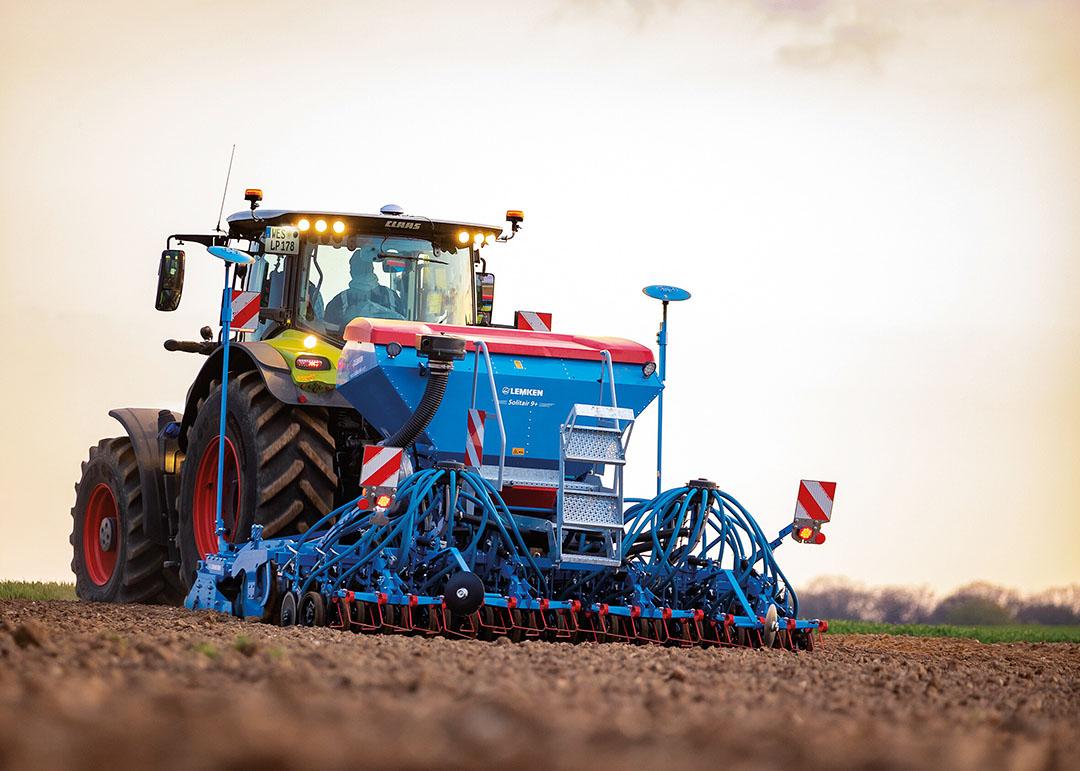 De machine is in een 3 meter en 4 meter brede variant verkrijgbaar. - Foto: Theo Serdet