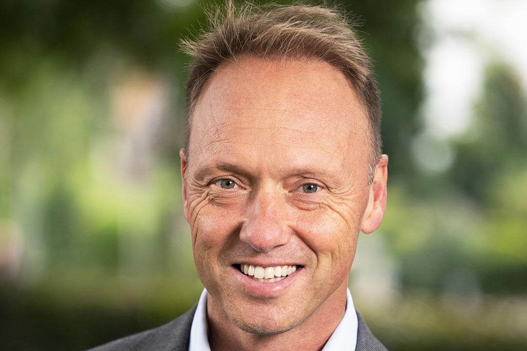 Hein Schumacher (1971) is sinds januari 2018 CEO van FrieslandCampina, nadat hij al drie jaar cfo (de hoogste financiële man) was in Amersfoort. Voor hij in 2014 bij het zuivelbedrijf kwam, had hij al een veelzijdige carrière in de foodbusiness achter de rug. Hij werkte bijna 11 jaar voor KraftHeinz, de laatste jaren in Azië. De jaren daarvoor werkte hij bij Ahold en Unilever. Hij studeerde Bedrijfskunde en Politicologie aan de Universiteit van Amsterdam. Schumacher is sinds dit voorjaar commissaris bij kledingconcern C&A. Ook is hij commissaris bij het Concertgebouw. Vanuit zijn functie bij FrieslandCampina is hij bestuurslid van NZO en van AgriNL.