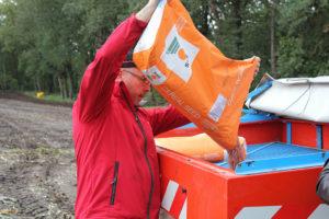 Op dit moment is Snelle Lente Rogge in de originele en herkenbare oranje KWS-verpakking nog beschikbaar en snel leverbaar via je handelaar. - Foto: KWS