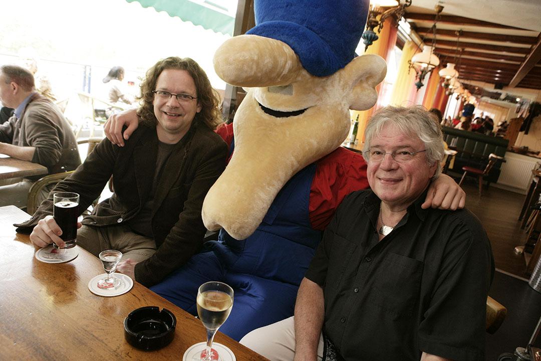Rechts de bedenker van Opa: Henk Groeneveld, links zijn opvolger Herman Roozen. Deze foto is gemaakt in 2007 in het bijzijn van Opa zelf. - Michel Zoeter
